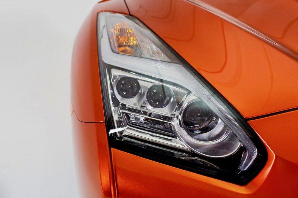 Kaida - 2017 Nissan GTR - Front lights