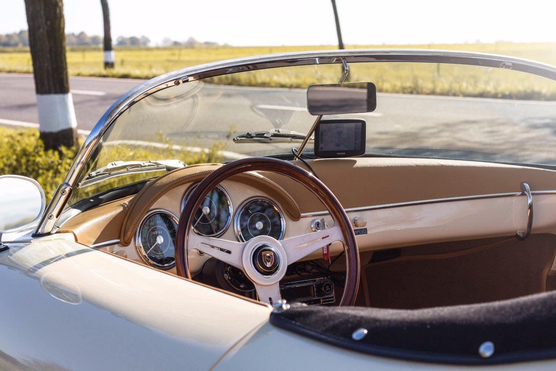 Our Porsche 356 Speedster Continuation interior