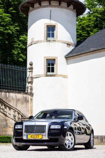 Front in court - Emily - Rolls Royce Ghost - Ansembourg Castle