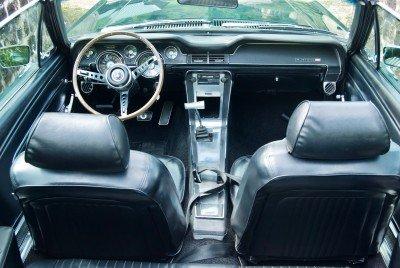 Tilly - 1967 Ford Mustang Convertible V8 - interior